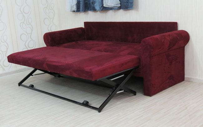 ספה תלת מושבית במראה סלוני נפתחת למיטה זוגית עם כריות דגם סתיו