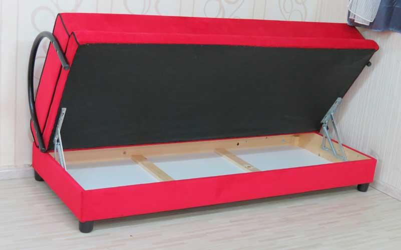 ספת ארוח נפתחת למיטה כפולה כוללת ארגז מצעים וזוג כריות בצורת שפתיים דגם שזיף